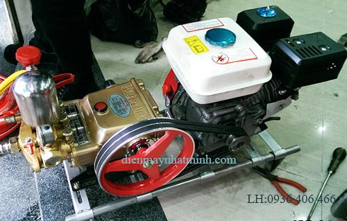 máy rửa xe chạy xăng