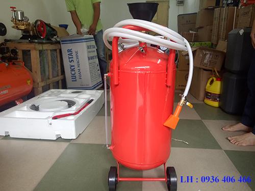 Bình phun bọt tuyết 40lit sắt là sản phẩm mang nhiều ưu điểm nổi trội