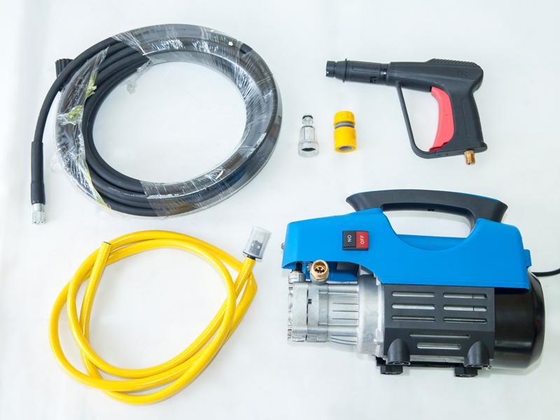 Siết chặt các khớp nối, phụ kiện máy rửa xe