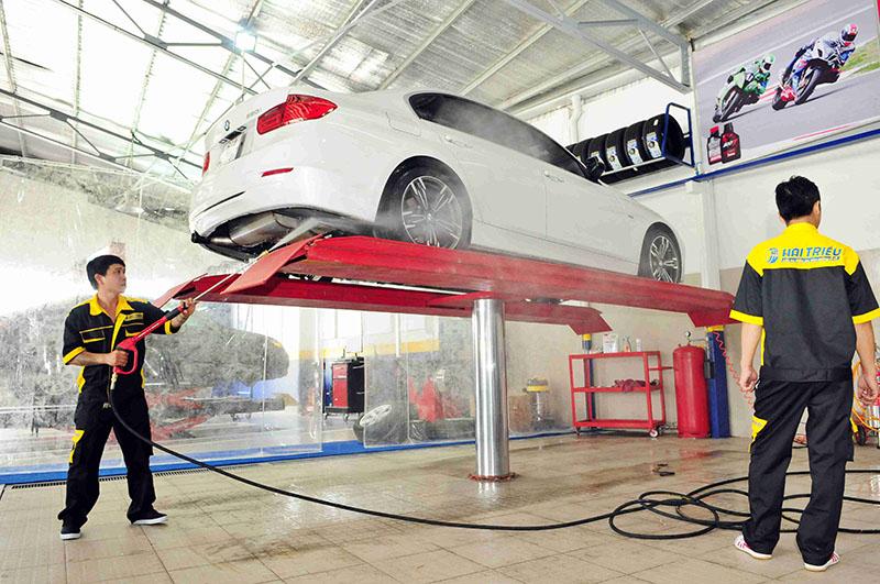 Máy rửa xe ô tô chuyên dụng cho tiệm chọn loại nào ?