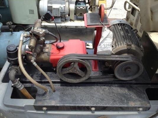Mua máy rửa xe cũ tiết kiệm chi phí