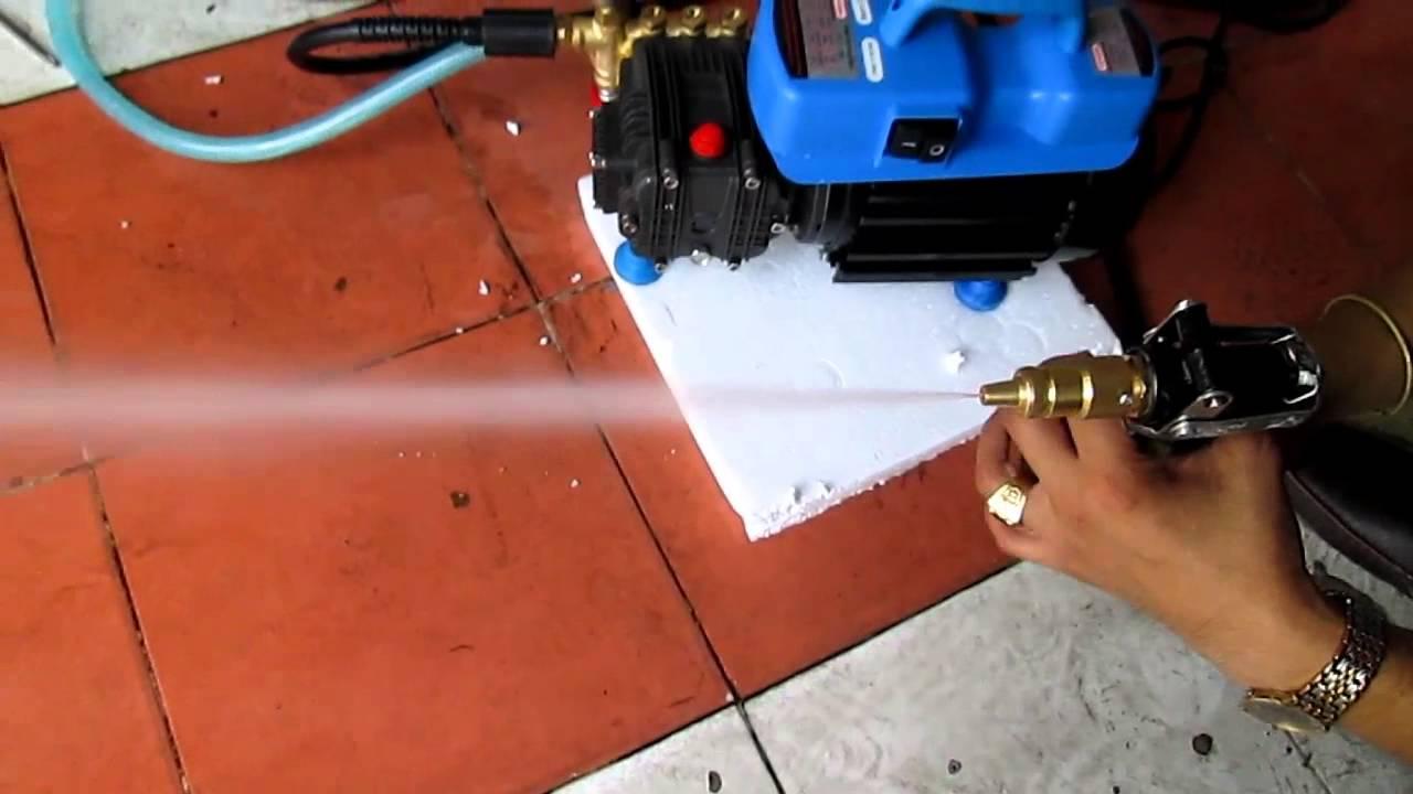 Máy bơm áp lực vệ sinh điều hòa yêu cầu lực phun hợp lý