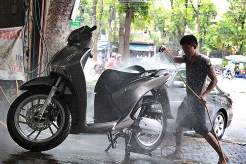 máy rửa xe máy