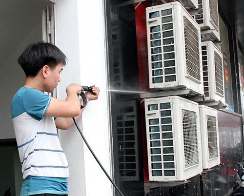 máy xịt rửa điều hòa máy lạnh